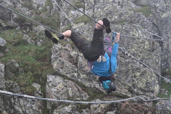 Akrobatik im Seil