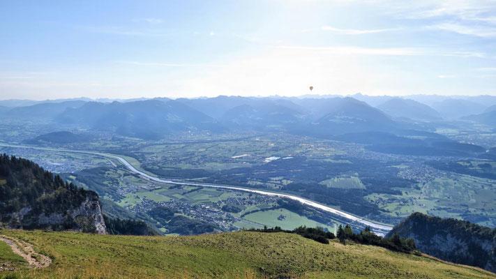 Ballon über dem Rheintal
