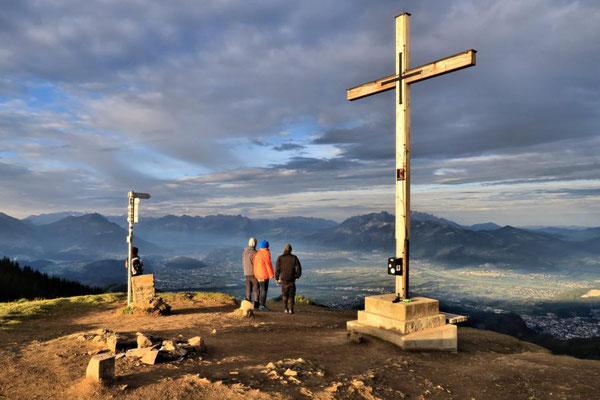 schönes Licht am Gipfelkreuz