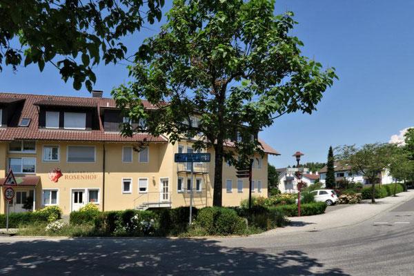 am Gästehaus Rosenhof...
