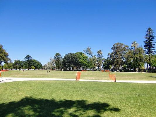 Perth City Central - パースには大きな公園がたくさんあります。
