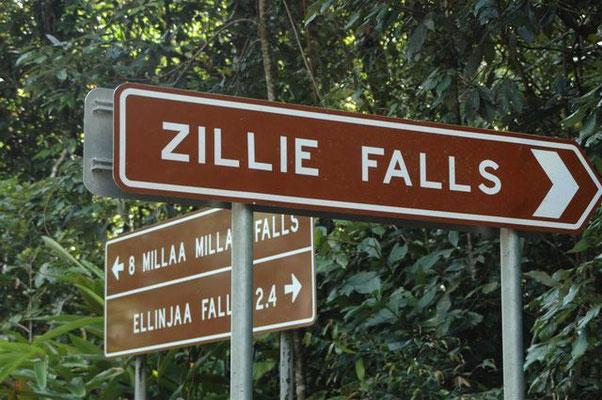 3 Falls Signboard - ミラミラの滝、ジールの滝、エリンジャの滝の3つの滝のサインボード