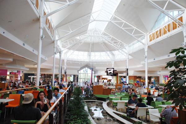オーストラリアのショッピングセンター内フードコート②