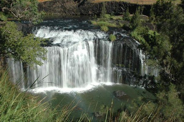 Millstream Falls - ミルストリーム・フィールド国立公園