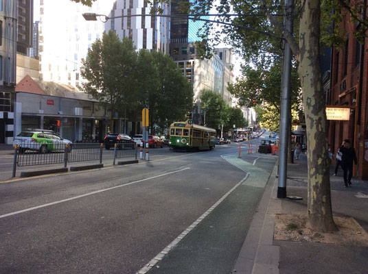 Melbourne City - メルボルンの公共交通機関トラム