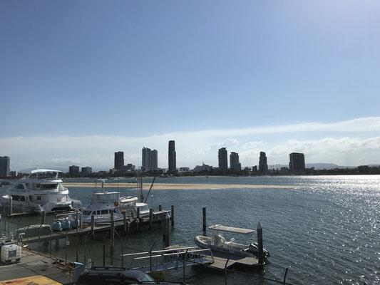 Gold Coast - Sea World シーワールドから見たゴールドコーストの景色