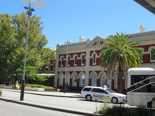 Perth Railway Station - パース駅