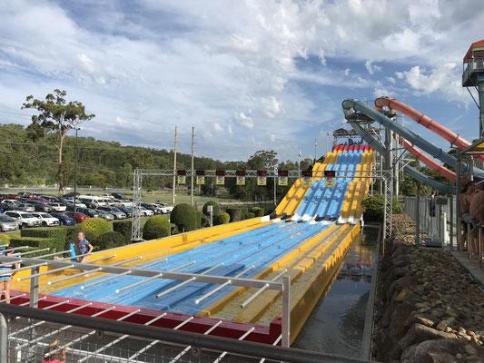 Gold Coast - Wet 'n' Wild super 8 Aqua Racer みんなでレースをすることができます.