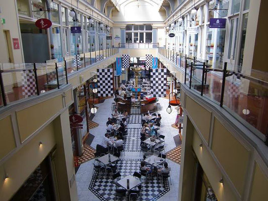 Adelaide Arcade - アデレードアーケードの内部。