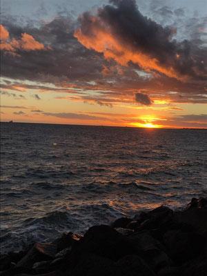 St Kilda - メルボルンかトラムで30分程のところにある、メルボルンの観光地といえばここ、セントキルダビーチです。