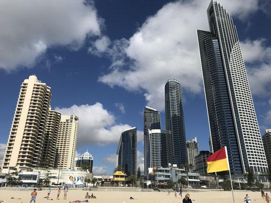 Gold Coast - Surfers Paradise サーファーズ パラダイスの高層ビル