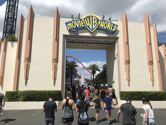 Gold Coast - Movie World ゴールドコーストに住んでいる留学生・ワーキングホリデーの人たちはローカルID提示でお得な年間パスを購入することができます。
