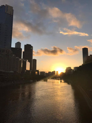 Yarra River - ヤラ川に沈む夕日はとても綺麗です