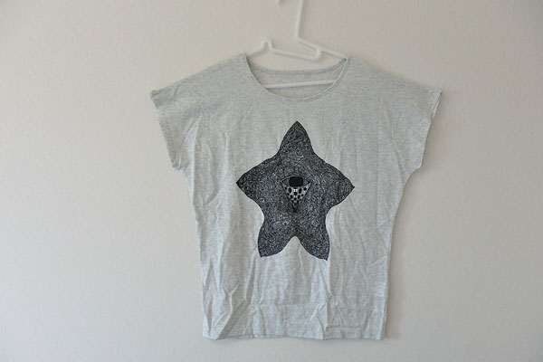 ヒトデメッダマー レディースTシャツ/WEB SHOPにて販売中