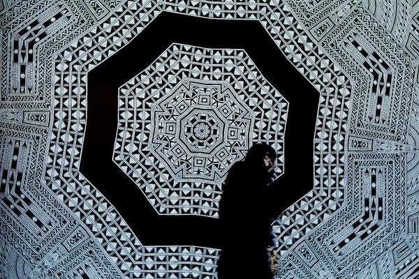 パリのジュエリーブランド「AGATHA PARIS」の新作発表会にてコレボーレーションと展示。原画作品を元にした映像作品をHANABIが制作。