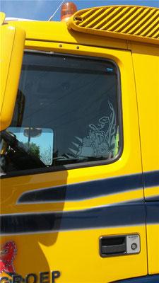 Raamdecoratie truck