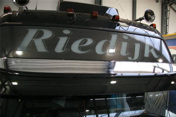Belettering lichtbak truck
