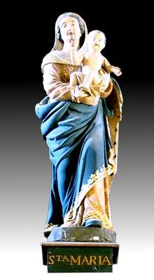 Vierge en bois polychrome du XVIIIe siècle, sculpteur anonyme