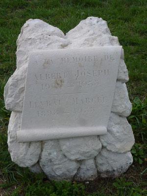 Restauration d'une stèle