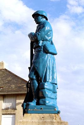 Détail du monument aux Morts de Corlier