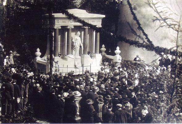 Inauguration du monument aux Morts de Champdor en 1922