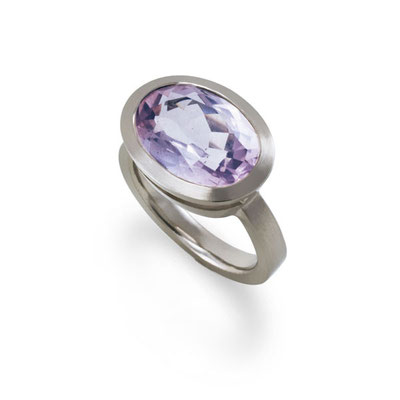 "Ring ""Lucide Lilas"""