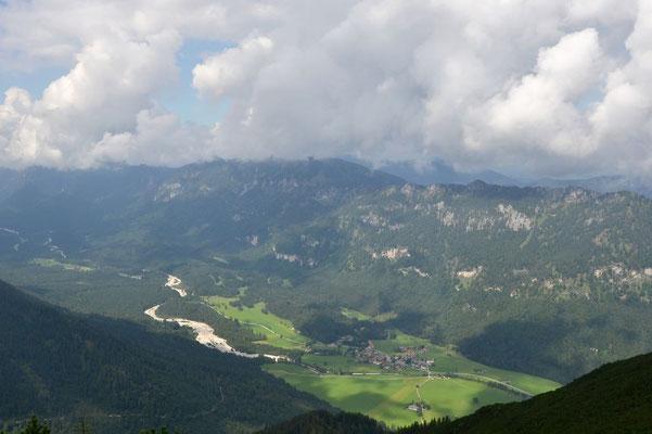 Gipfelaussicht Notkarspitze: Tal der Linder