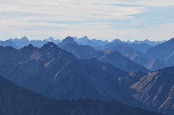 Grandioser Fernblick in die Lechtaler Alpen