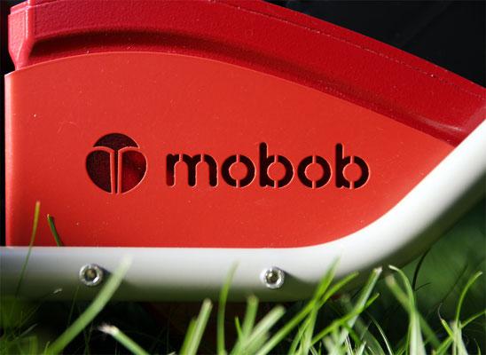 Detailaufnahme gefrästes mobob® Logo