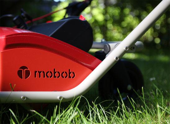 Detailaufnahme pulverbeschichtetes Fahrgestell, mobob® Akkubox und Lenkrolle
