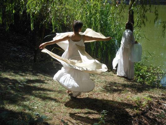 Les Quatres Saisons des Dames du Lac_été_Jess et Liv_photo Nicole Clarac Lagès 2015