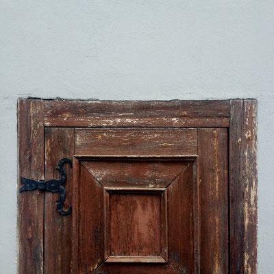 Door in Vilnius