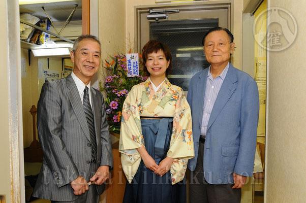 2010年 二ツ目昇進披露興行            師匠 宝井琴星(左)と大師匠 宝井馬琴(右)       撮影 森松夫