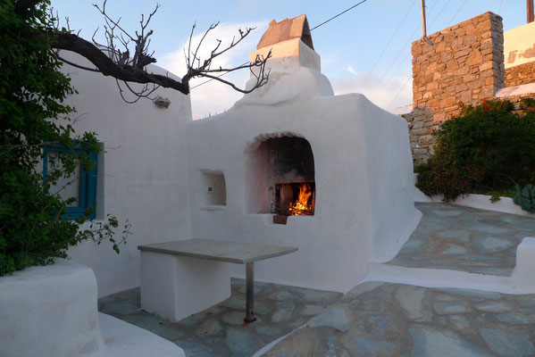 Outdoor Oven and Fireplace