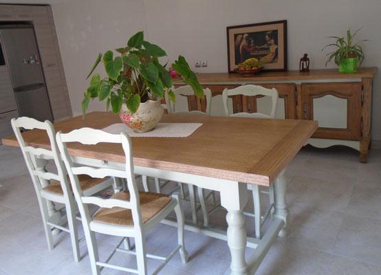 Table de salle à manger et chaisesrelookées.Meylan