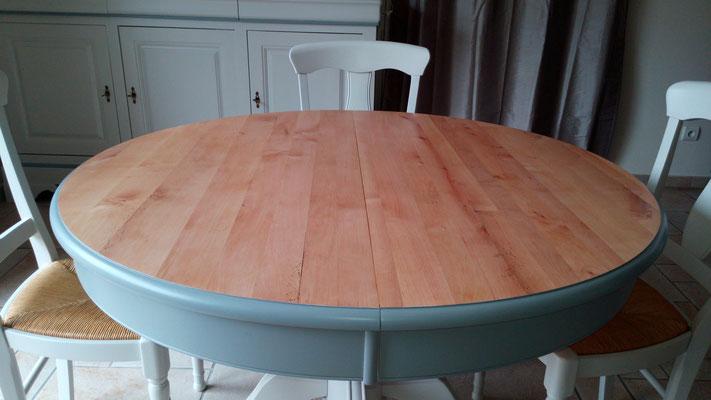 Table avec son plateau brut