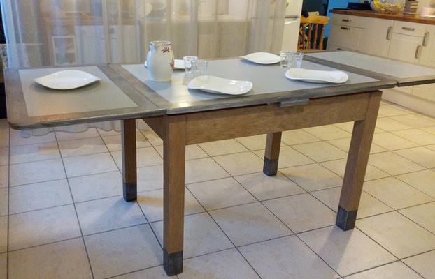 Table rénovée ,faire Peindre un meuble à Meylan