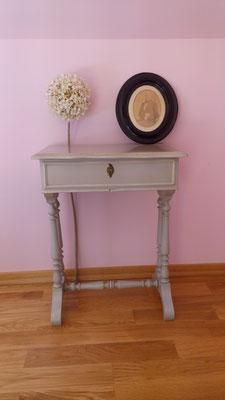 meuble peint en gris perle