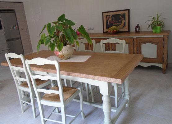 Ensemble salle à manger : Table, chaises et buffet