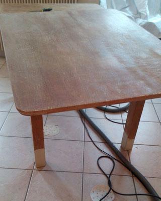 Table en bois décapée et poncée . Grenoble