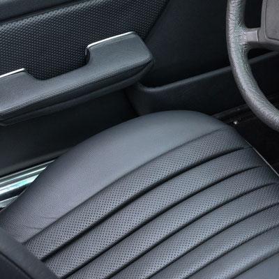 Mercedes Benz SL (R107) - Blick auf den Fahrersitz