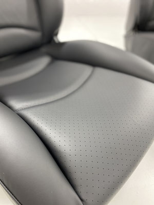 Porsche 911 (993) - Originalgetreue Perforation der Mittelteile