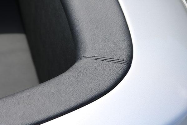 Mercedes Benz SL (R107) - Verdeckkastendeckel neu bezogen mit Echtleder
