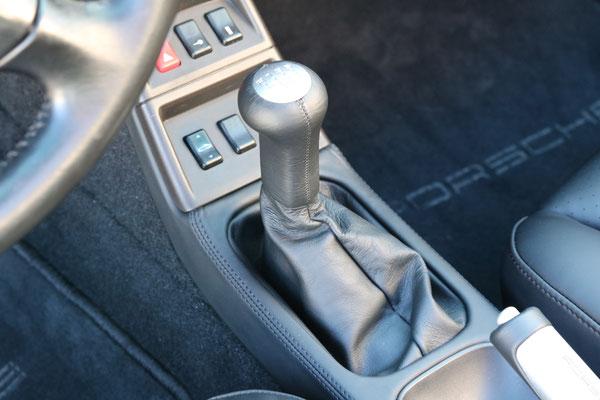 Porsche 911 (993) - Schaltknauf neu bezogen in Echtleder - Porsche nappa