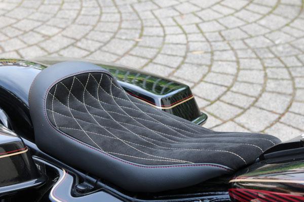 Individuelle Sitzbank für eine Harley Davidson Electra Glide