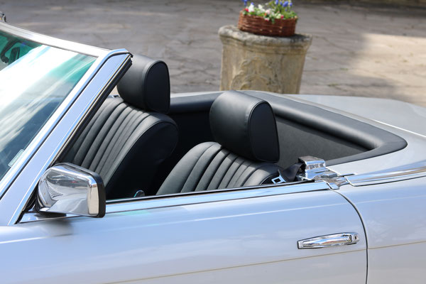 Mercedes Benz SL (R107) - Ein Blick in den Innenraum