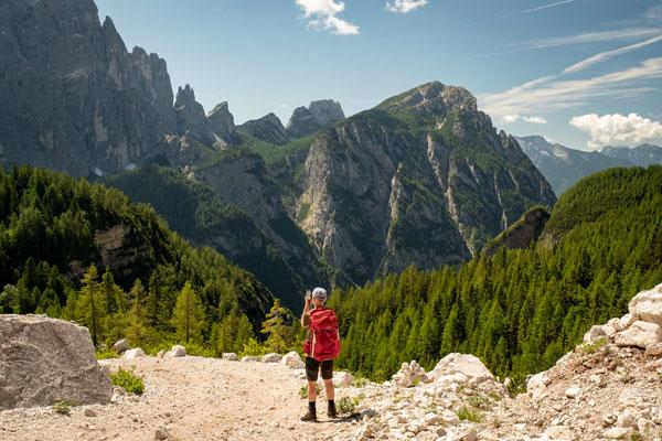 Approaching rifugio Vazzoler on Alta Via 1