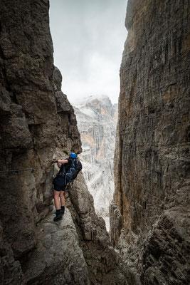 A narrow gully along the via ferrata delle Bocchette Centrali