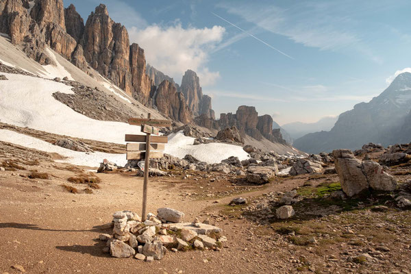 Forcella Travenanzes with some signs typical for the Dolomites