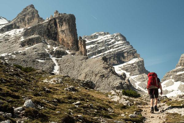 Ascending towards the Lago Lagazuoi Saddle